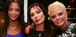 """La mamma de """"Le Donatella"""" condannata: oltraggio a polizia"""