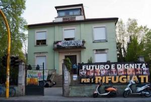 Padova, c'è una discarica dietro la Casa dei rifugiati