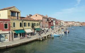Venezia, ubriachi spaccano vetri di case e negozi: arrestati