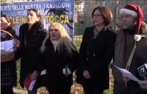 "YOUTUBE Maria Stella Gelmini canta ""Tu scendi dalle stelle"""