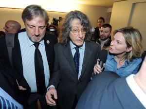 """M5s, il piano di Casaleggio: """"Vincere a Roma, poi..."""""""