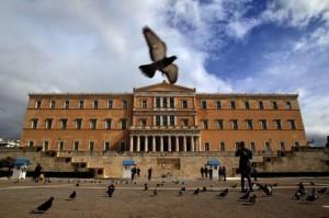 Grecia, Parlamento approva unioni gay, ma niente adozione
