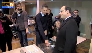 YOUTUBE Hollande vota ma sbaglia fessura. E la scheda...