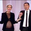 Ilary Blasi FOTO: a Le Iene il vestito esalta il pancione...