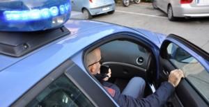 Tunisino tenta di investire un poliziotto: arrestato
