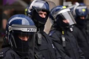 """Cameron: """"Polizia più libera di sparare senza rischiare processo"""""""