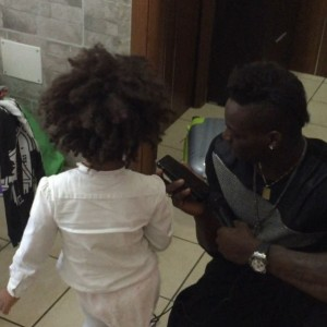 Mario Balotelli festeggia la figlia Pia su Instagram VIDEO