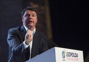 Matteo Renzi sul palco della Leopolda