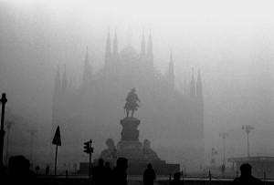 Smog a Milano, da lunedì auto ferme in 12 Comuni