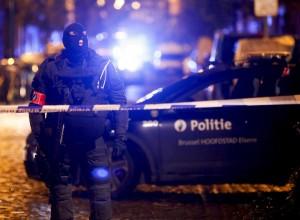 Guarda la versione ingrandita di Terrorismo. Caccia a Salah, nuovo blitz a Molenbeek