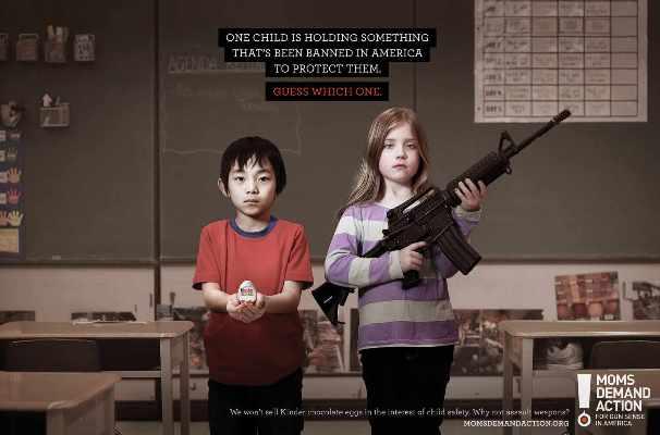 Ovetto Kinder vietato in America. Ma le armi no...