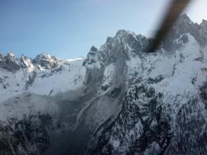 Bernina: due alpinisti precipitano e muoiono