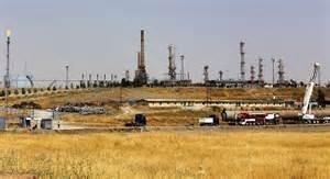 Un campo petrolifero dell' Isis in Iraq