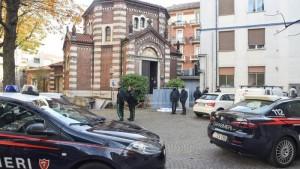 Entra in chiesa e si uccide nel cortile in ospedale a Torino