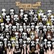 Un altro panda nascosto tra i fan heavy metal. Lo vedi? FOTO03