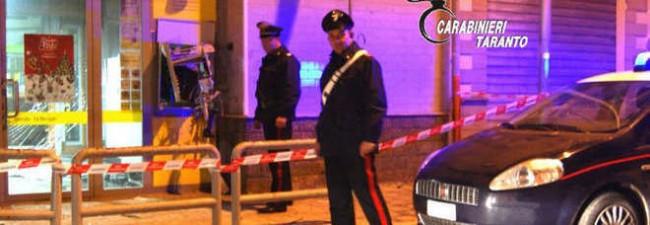 Taranto, fanno saltare Postamat FOTO e bruciano 30mila euro