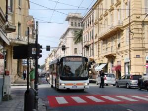 Sanremo, autista bus schiaffeggiato e rapinato: un arresto