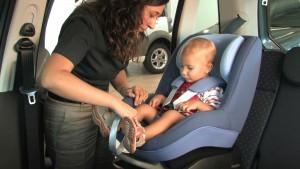 Seggiolini auto: modelli i-Size. Cosa cambia la normativa