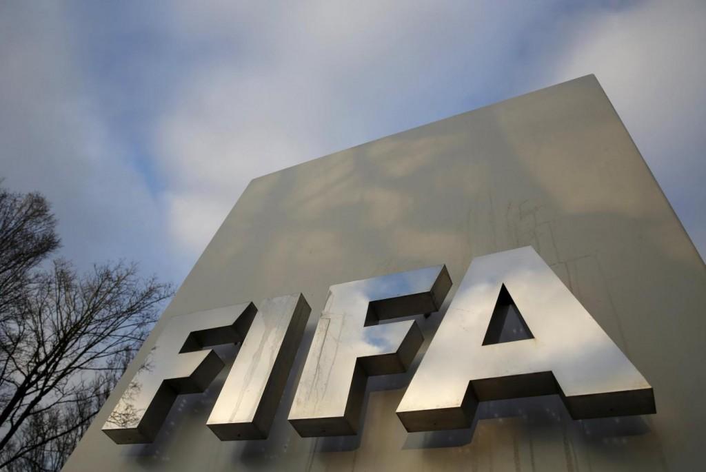 Fifa, Joseph Blatter e Michel Platini squalificati otto anni