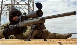Isis, cecchino uccide 5 terroristi con tre colpi