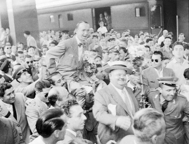 Stanlio e Olio a Roma nel 1950: FOTO virale su Facebook