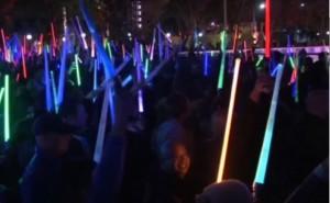 Star Wars mania, battaglia di spade laser a Los Angeles