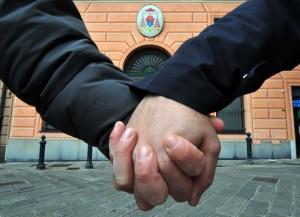"""Figlia coppia gay adottata in: """"Valga anche per Italia"""""""