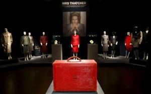 Le borsette di Margaret Thatcher all'asta, lite tra i figli