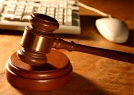 Gay, tribunale Milano: valida adozione figlia compagna