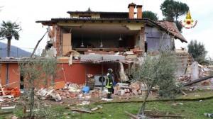 Franco Battilana grave: fuga di gas, villetta salta in aria