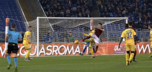 El Shaarawy video gol di tacco in Roma-Frosinone 3-1
