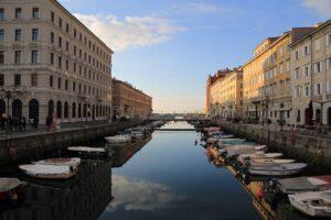 Guarda la versione ingrandita di Trieste: 5 esperienze da local nella città della Bora