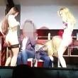 Scene lesbo a festa università: studentesse leccano...05