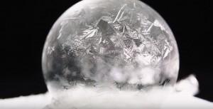 YOUTUBE Bolla sapone raggiunge -15 gradi e si congela