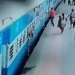 Donna muore risucchiata da treno in movimento4