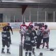 Hockey, rissa coinvolge 8 giocatori e un arbitro4