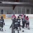 Hockey, rissa coinvolge 8 giocatori e un arbitro6