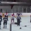 Hockey, rissa coinvolge 8 giocatori e un arbitro9