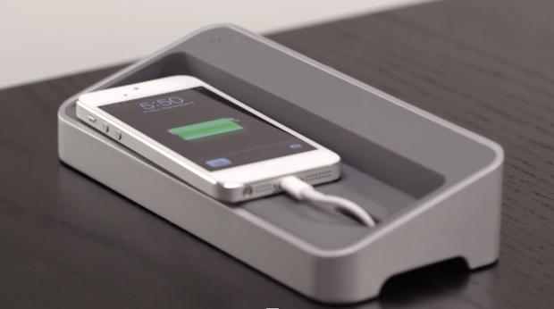 Apple richiama adattatori difettosi: rischio scossa