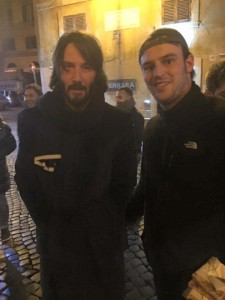 Guarda la versione ingrandita di Keanu Reeves, allenamento a sorpresa in una palestra a Roma