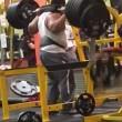 Pesi troppo pesanti bodybuilder fa crollare tutto 4