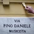Pino Daniele, sua chitarra nella strada dedicata 2
