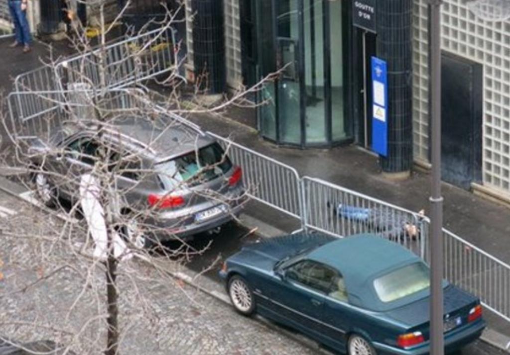 "Parigi, terrorista ucciso. ""Aveva cintura esplosiva"" FOTO 2"