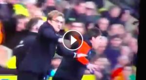 Guarda la versione ingrandita di Jurgen Klopp festeggia la vittoria del Liverpool sul Norwich