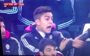 Guarda la versione ingrandita di Juve - Inter, il tocco con la mano di Medel