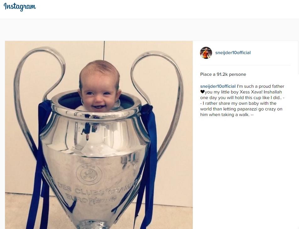 Sneijder mette il figlioletto...nella Champions1