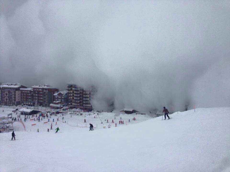 Valanga a Cervinia: paese avvolto da una nube bianca4