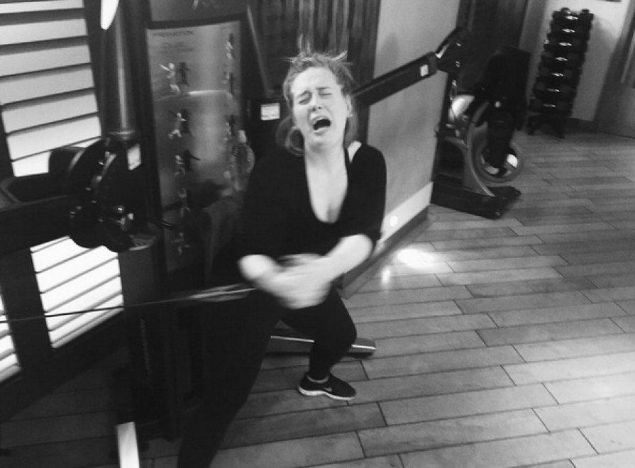 Adele in lacrime in palestra FOTO