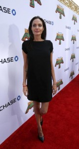 Angelina Jolie scheletrica sul red carpet. Ma che ha?