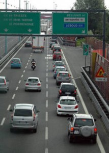 2016, rincari Freccie Trenitalia e su 6 tratte autostradali